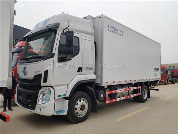中型6米8国6柳汽乘龙H5单桥肉钩冷藏车厂家价格配置图片