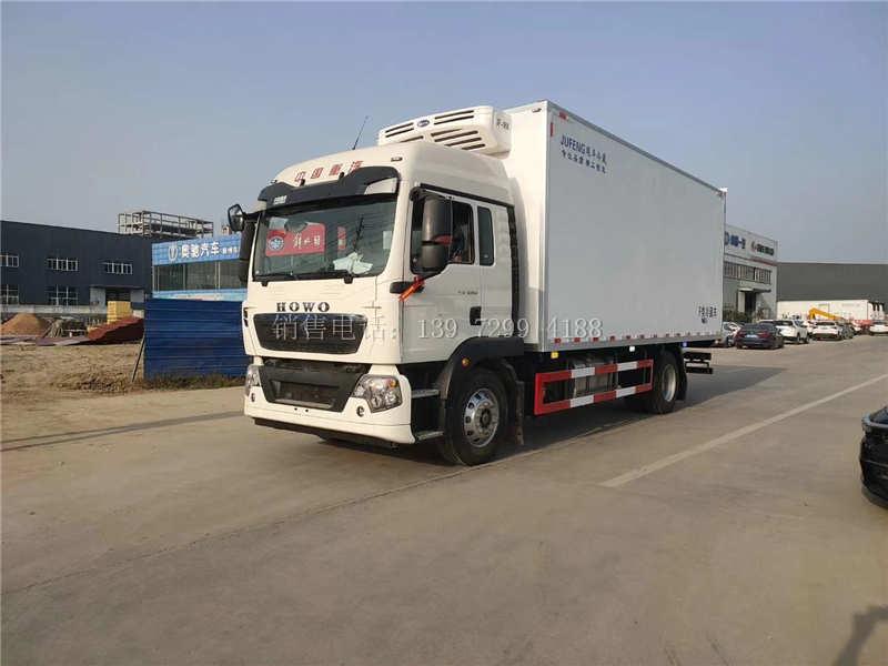 中型新款6米8单桥重汽豪沃TX5肉钩冷藏车厂家价格配置图片