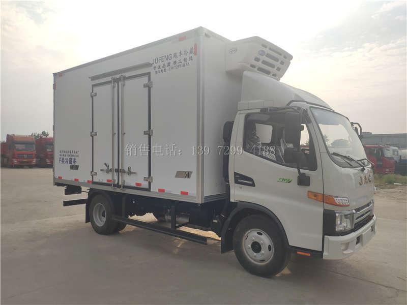 恭喜陕西孟总喜提国六江淮4米2冷藏车