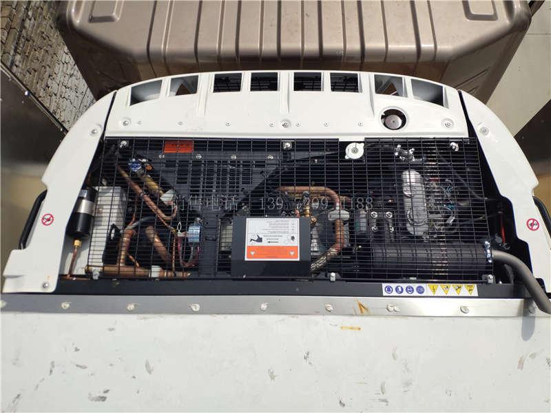 东风天龙9米6冷藏车配美国冷王T880Pro独立制冷机组发动机图片