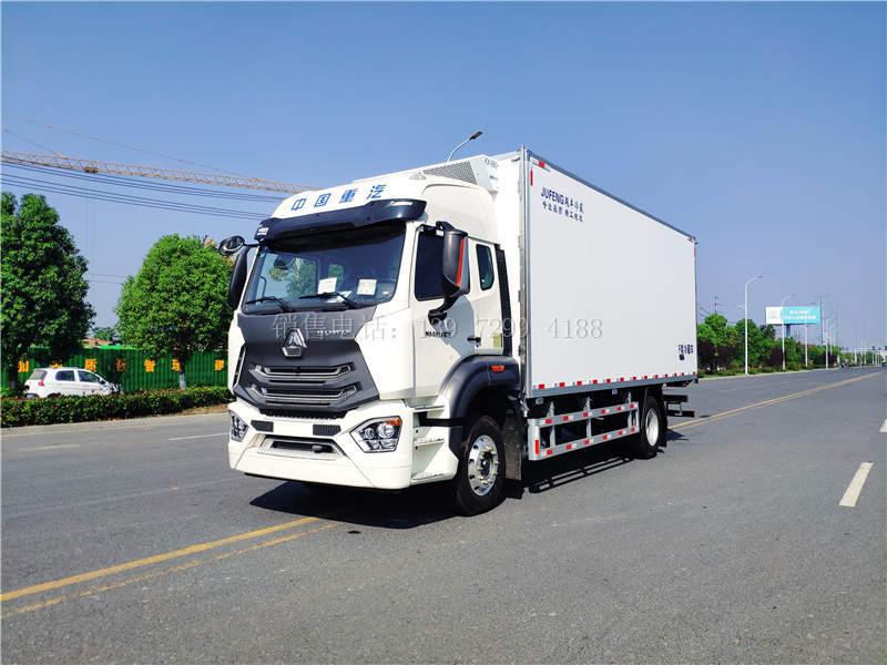国六6米8重汽豪沃N5G冷藏车价格